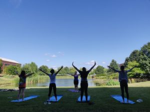 20190718_Yoga at the Pond_GroupStretch8